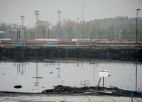 Kaly z lagun mizí, ale způsobují zápach