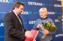 M. Štěpánek blahopřeje A. Gavlasové
