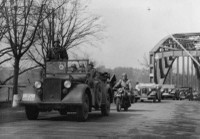 Německý wehrmacht za mostem přes Odru v Petřkovicích 14. 3. 1939