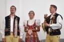 Chodský soubor Mrákov s dudákem zazpíval lidovou píseň.