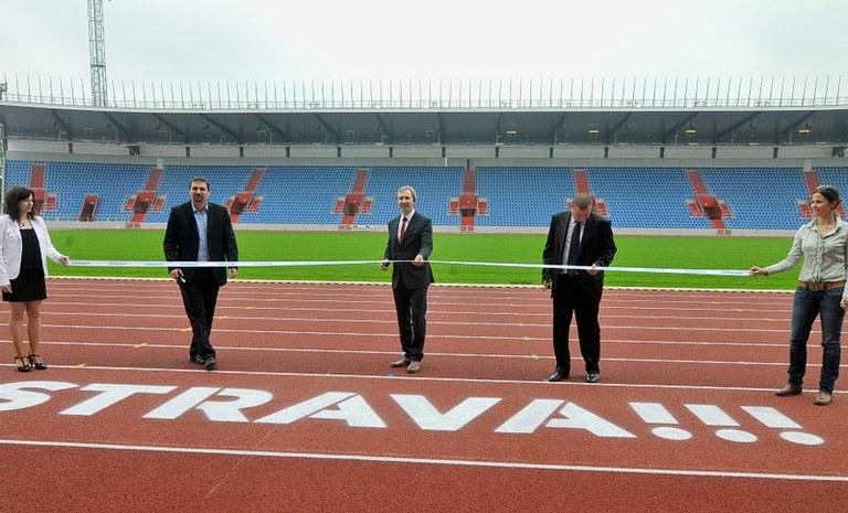 Nová tribuna městského stadionu čeká na první diváky