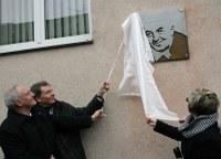 Pamětní deska Vladimíru Brázdovi
