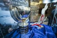 Vestibul radnice září hokejovým zlatem