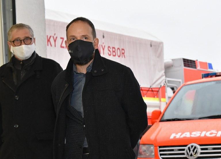 Primátor Tomáš Macura navštívil na Štědrý den sloužící jednotky