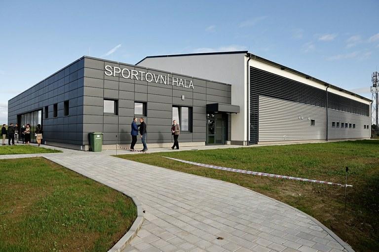 V Krásném Poli mají novou sportovní halu