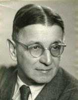 Karel Votava (1884-1962). Sociálnědemokratický novinář, jedna z obětí politických procesů v Ostravě v 50. letech.
