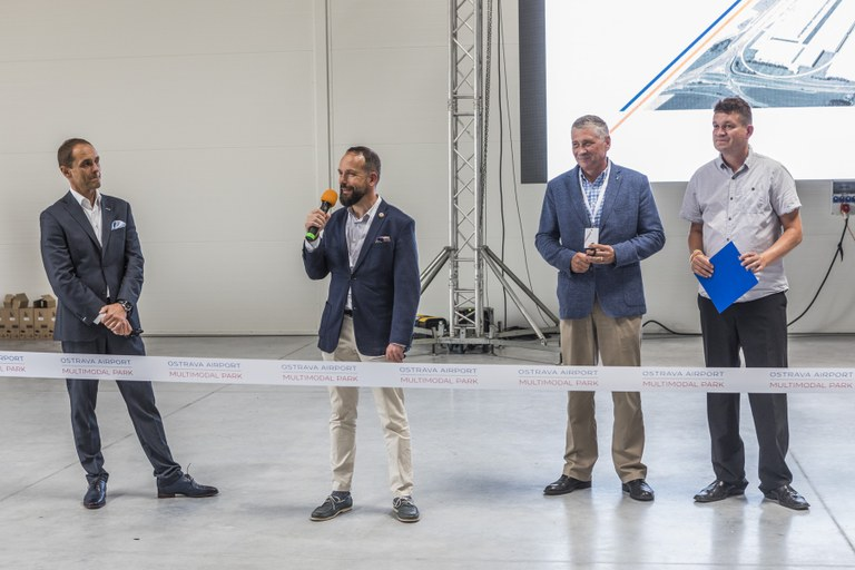 The first hall of the OSTRAVA AIRPORT MULTIMODAL PARK to open in Mošnov Strategic Industrial Zone